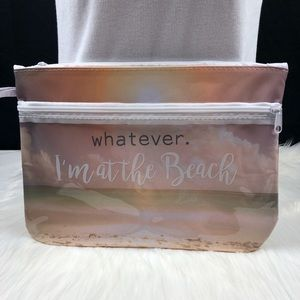 Peaceful beach sack with zipper pockets
